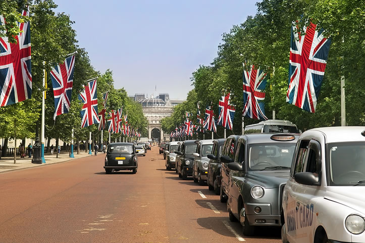 How much does it cost to become a London Taxi driver?