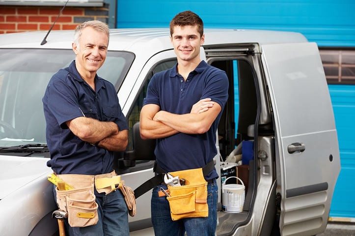 How Much Does a Tiler Earn?